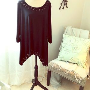 Tops - 💥💥SALE💥💥 Asymmetrical tunic cute and sassy